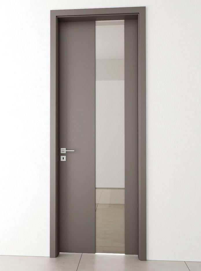 Otevíravé dveře s unikátním systémem bezrámového uchycení skleněné výplně dodá Vašemu interiéru punc jedinečnosti.