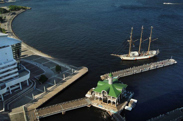 ぷかり桟橋 みなとみらい 横浜 乗船場 桟橋 海