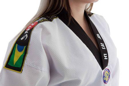 Dobok Taekwondo_Olimpico_Feminino_Gola_Preta_gd_3.jpg 450×300 pixels