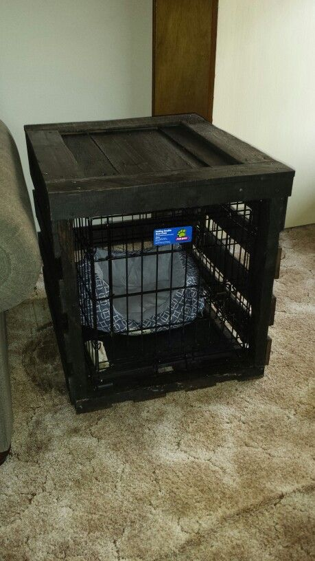 Pallet end table dog crate kathi kountry krafts for Pallet dog crate