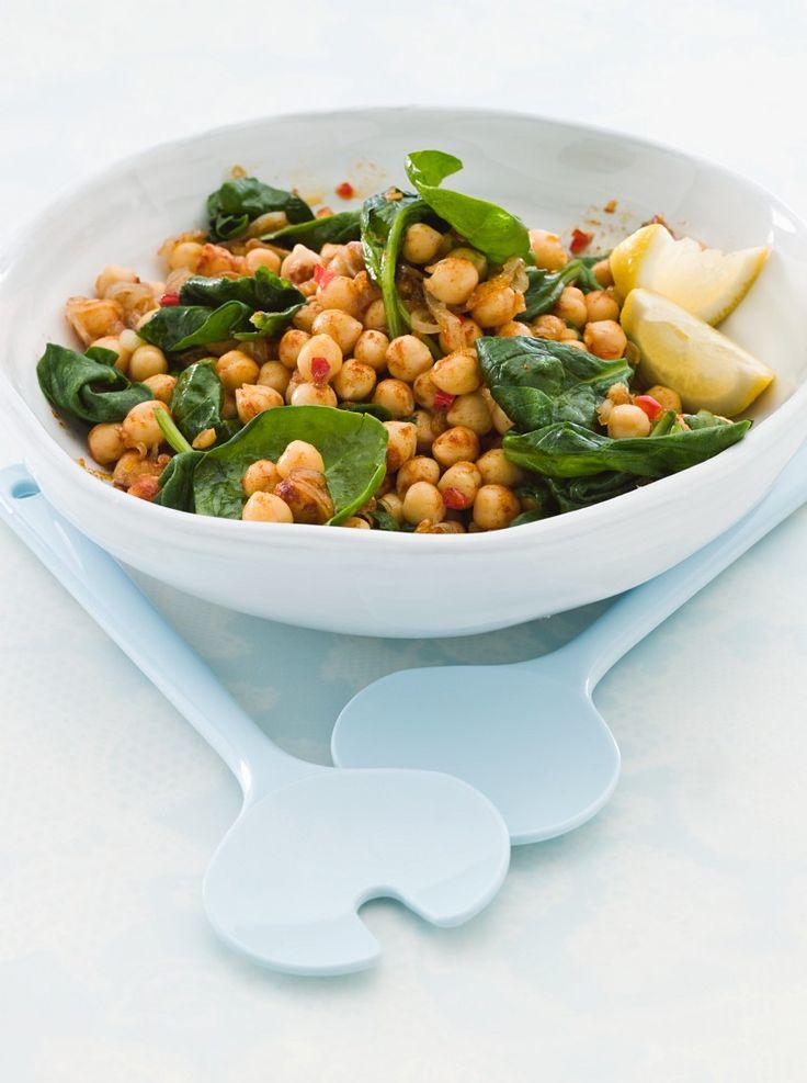 Lauwarmer Kichererbsensalat mit Spinat   Kalorien: 272 Kcal - Zeit: 10 Min.   http://eatsmarter.de/rezepte/lauwarmer-kichererbsensalat-mit-spinat