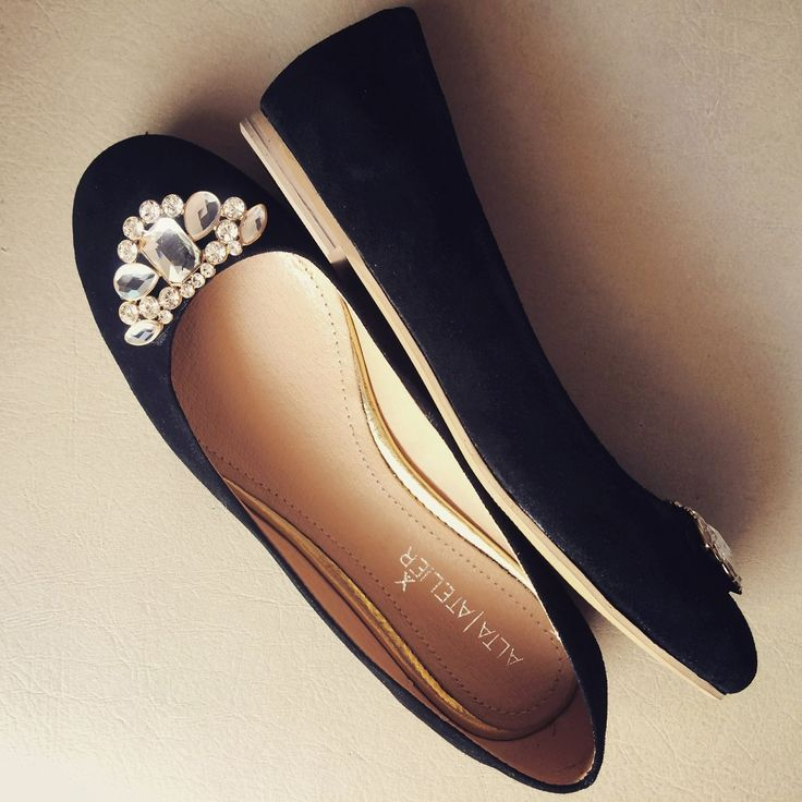 Chelsea Negro www.kichink.com/stores/altaatelier-store #flats #leather #shoes