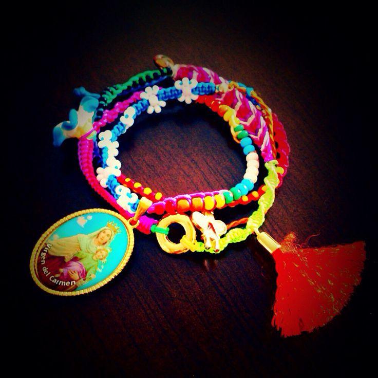 Coloréate de los pies a la cabeza! #bracelets #armcandy #fashion