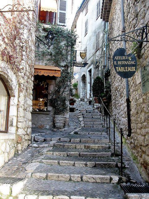 Saint Paul de Vence - France http://www.facebook.com/LaVagueDeSaintPaul