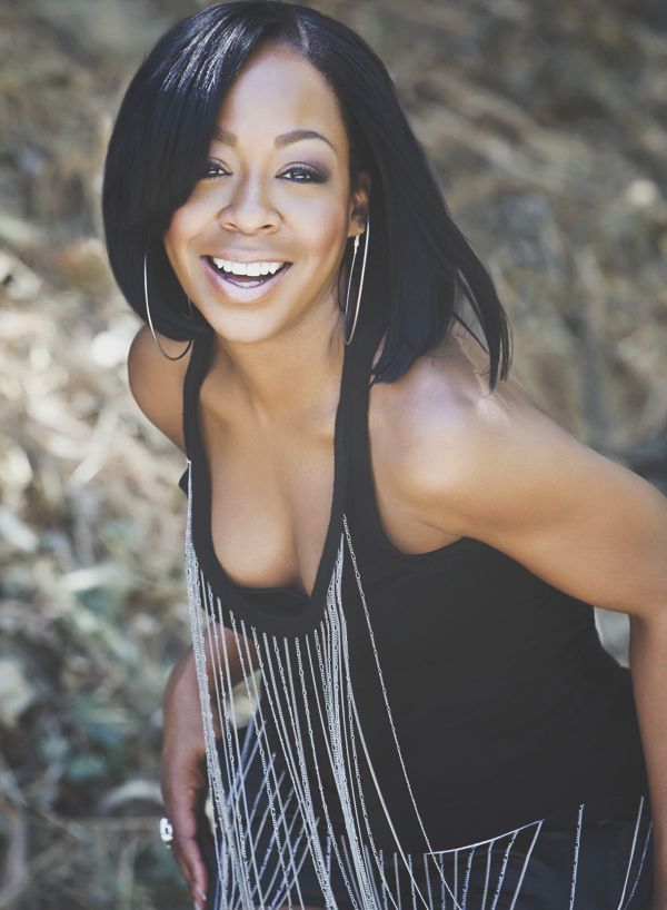 PLAYED BY: Tichina Arnold FULL NAME: bettie lambert  AGE:45  JOB: mediwitch  ROLE: staff member
