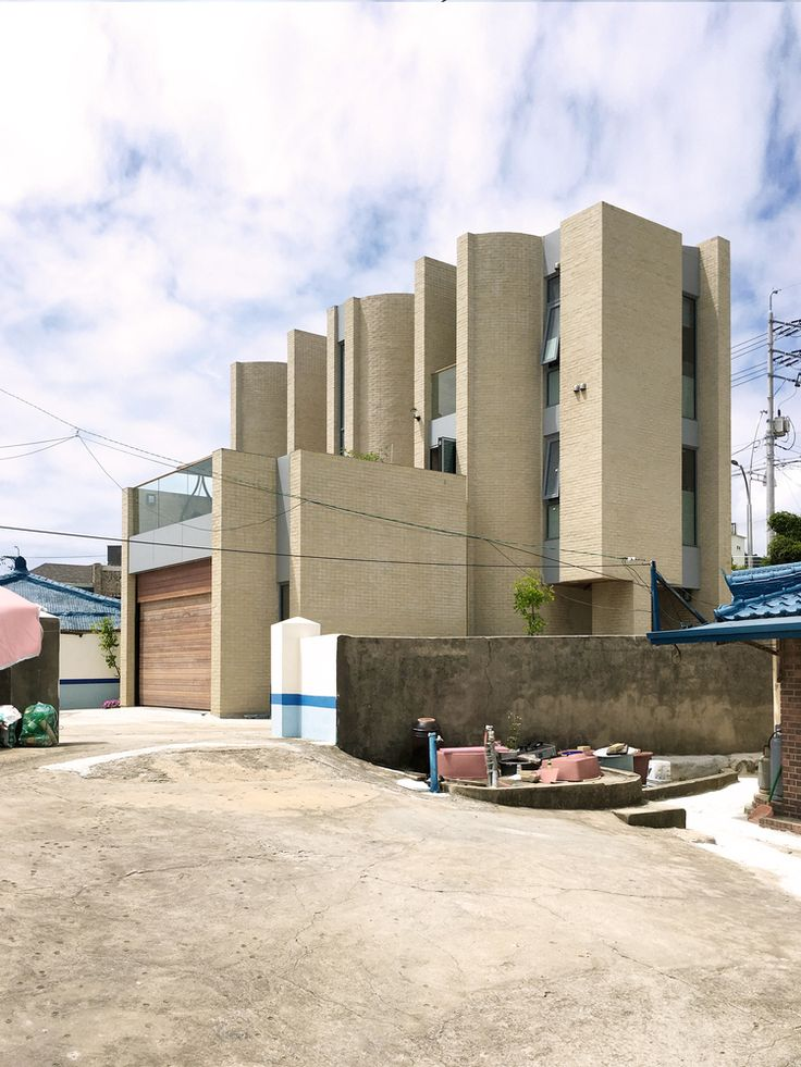 Gallery of Seaside Wall House / KHY architects - 2