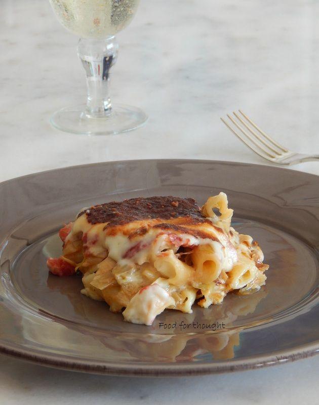 Food for thought: Σουφλέ ζυμαρικών με πράσα και μπεσαμέλ