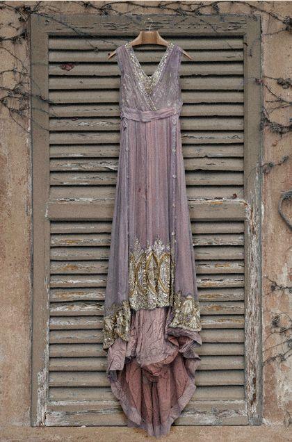 From An Old Trunk… Guido Taroni http://www.myitalianwedding.co.uk/new-old-retro-dresses
