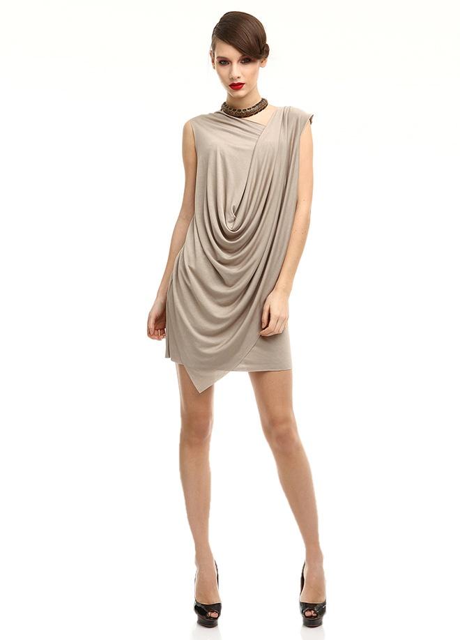 YASEMİN ÖZERİ Elbise Markafoni'de 245,00 TL yerine 78,99 TL! Satın almak için: http://www.markafoni.com/product/3636742/