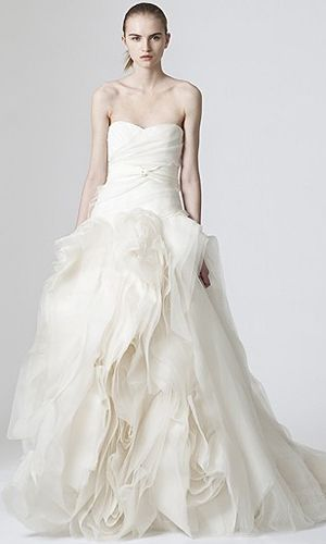 #VeraWang #strapless #sweetheart white Diana gown.