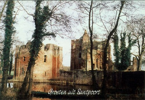 dit is Slot Brederode. Het kasteel is in de tweede helft van de 13de eeuw gebouwd door Willem I van Brederode, het kasteel is in de 16e eeuw Verwoest door Spaanse. troepen.