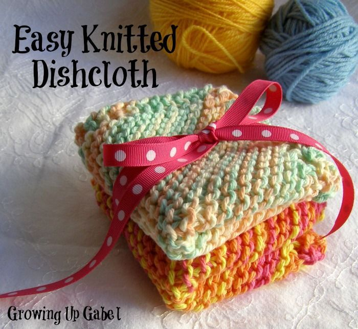 Easy Knit Dishcloths - perfect for the beginner but are super quick for a pro! Makes a perfect stocking stuffer, too! #christmas #handmade