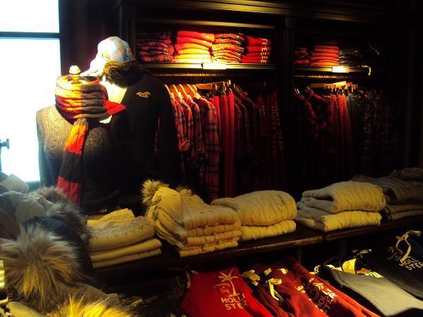 "Hollister en Madrid: moda californiana para ""Dudes"" y ""Bettys"" | DolceCity.com"