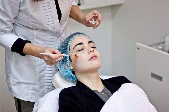 Virginia from notstranger.com visited The Skin Academy in Barcelona!