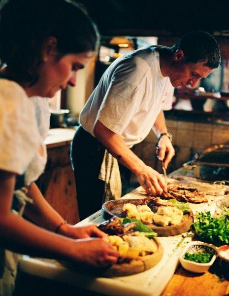 Voici une sélection de restaurants à travers la France qui offrent des plats, voire même des menus 100% sans gluten.  http://www.elle.fr/Loisirs/Sorties/Restaurants/Restaurant-sans-gluten