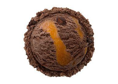 """""""ザッハトルテ チョコレートケーキの王様、ザッハトルテのアイスクリームに、アプリコットリボン、チョコケーキピースを入れた、リッチな味わい。 ※ザッハトルテ…オーストリアの伝統的なチョコレートケーキ"""""""
