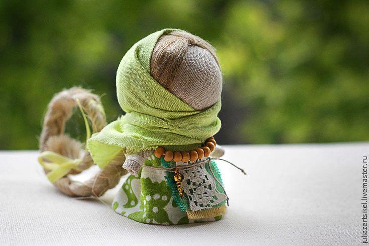 Народные куклы ручной работы. Ярмарка Мастеров - ручная работа Куколка на счастье. Handmade.