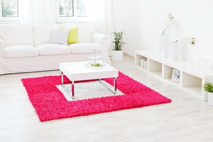 pinkes Quadrat mit Platz in der Mitte für ein Couchtisch - Al Mano Teppich