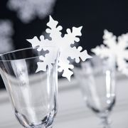 #noel Marque-places flocons pour verre (x10). Maplusbelledeco.com                                                                                                                                                                                 More