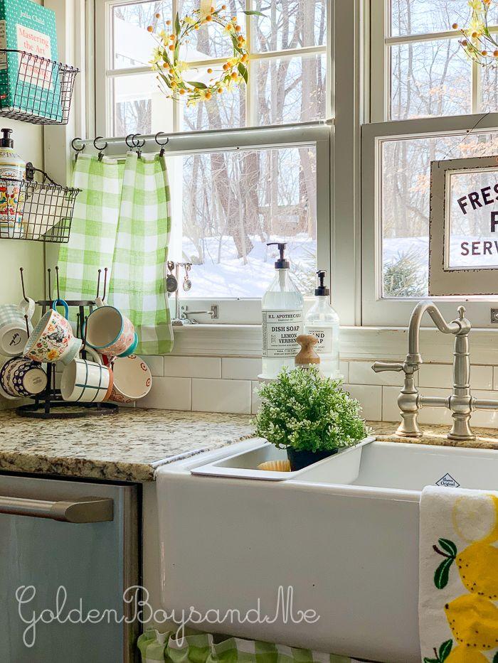 A Bit Of Spring Kitchen Redecorating Farmhouse Sink Kitchen Farmhouse Style Kitchen