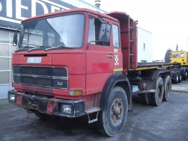 FIAT 300