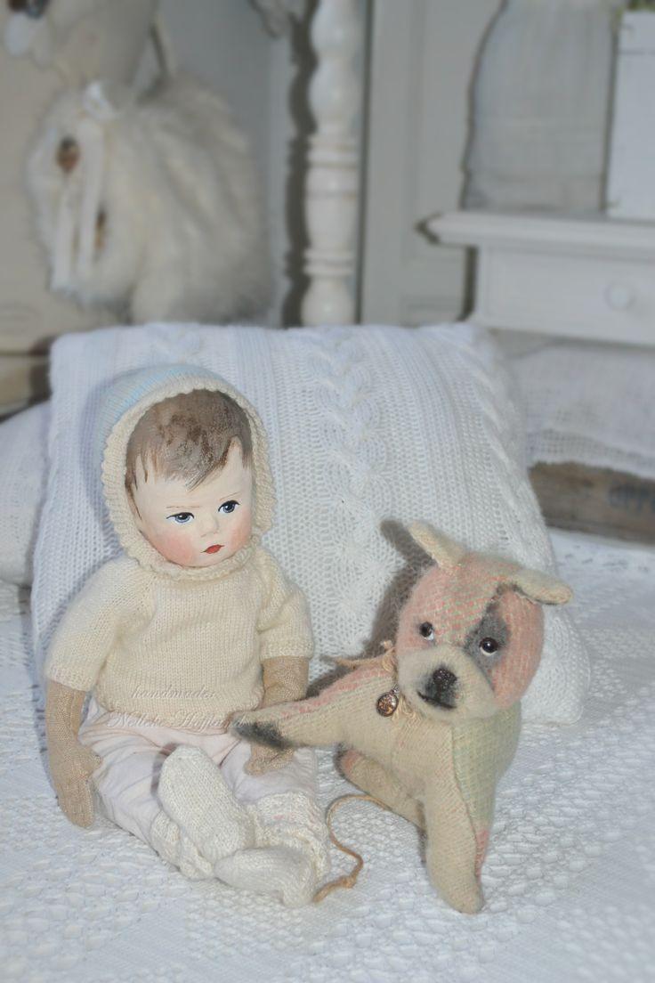 handgemaakte pop met hondje gemaakt van een deken.  door: Nelleke Hoffland