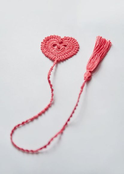 Marcador de Página de Crochê Coração