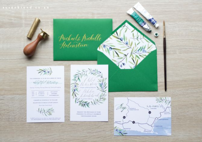 I absolute adore everything about this invite suit :) From the gorgeous amazon coloured envelopes, gold calligraphy, foiling and those olive leaves. It was such a treat working on it!!