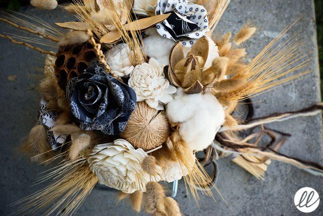 mariages r tro coup de coeur un bouquet sec pour la mari e papier bois coton et. Black Bedroom Furniture Sets. Home Design Ideas