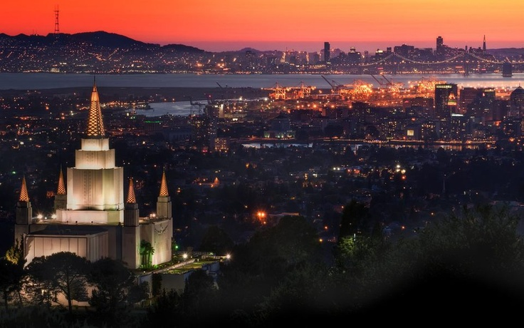 Love this shot of the Oakland temple