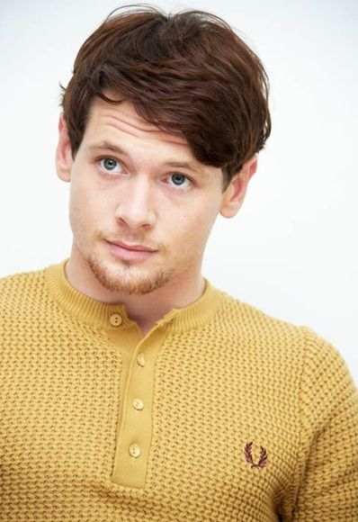 Jack O'Connell - I love Irish and Scottish men. They have to be some of the prettiest men on the planet. This guy reminds me of my hubby, Daniel.