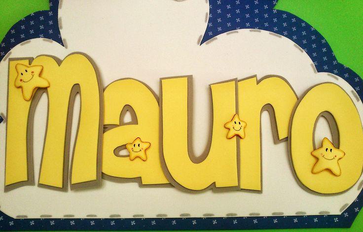 Nombre Mauro / Osito con luna / Goma EVA / Craft Foam / A Mano / Handmade / Personalizable / Diferente / Unico  / Unique . Visit www.gomaindociles.com