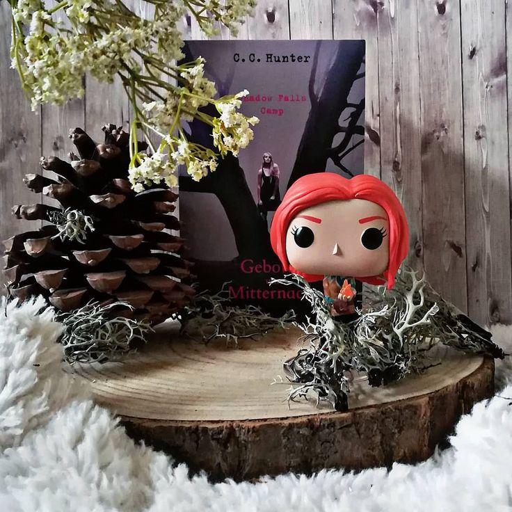 """#lilcoverlove  2. Tree - Wie lange ich gesucht habe bis ich mal einen Baum gefunden habe!  Dabei dachte ich wirklich ich hätte mehr baumige Cover  - Heute war es endlich mal wieder etwas """"wärmer""""  So langsam kann ich aber auch den Schnee nicht mehr sehen!  Wir haben schon März und nicht Januar  Ich würde ja gerne einen Sonnentanz aufführen aber ich bin mir bei einem Schritt nie ganz sicher und wir wollen ja nicht dass ich noch kältere Temperatur herbeitanze oder?  - #cchunter…"""
