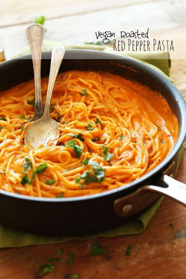 Pasta vegana con pimiento rojo asado: