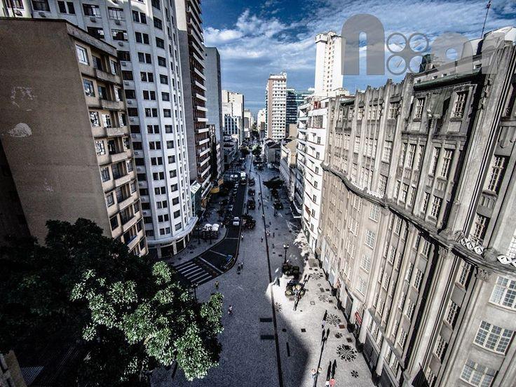 """Rua Luiz Xavier (antiga Avenida João Pessoa) onde fica a """"Boca Maldita"""" Foto: Curitiba NoAr - Vídeos e Fotos de Curitiba sob um novo ângulo"""