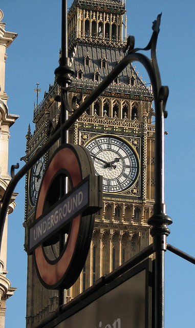 London Icons II by Lawrence OP, via Flickr.  #WOWattractions