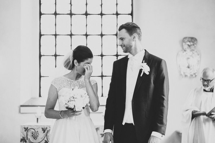 Bröllop i Barkarö Kyrka, Västerås | Fotograf Elin Ivemo