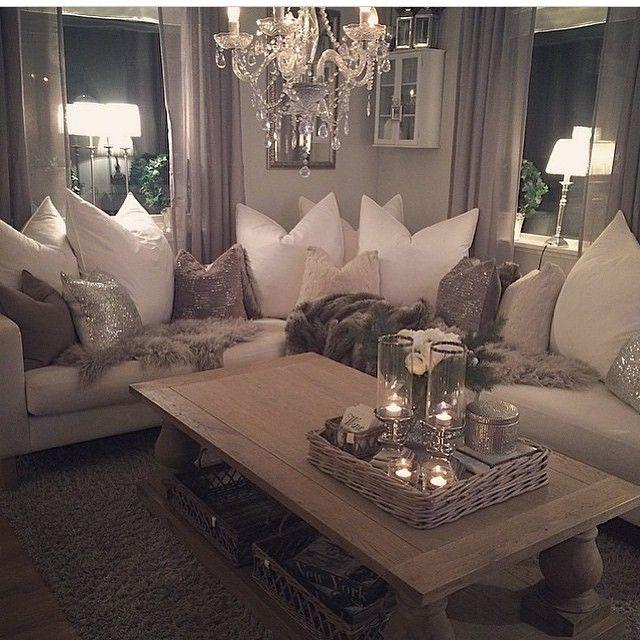 Cozy Cred: @home_by_virginia #inspo #interior #interiør #inspirasjon #inspiration #interiordesign #decor #design #decoration #style #love #loveit #luxury #livingroom #home #house #homedecor #glam #beautiful
