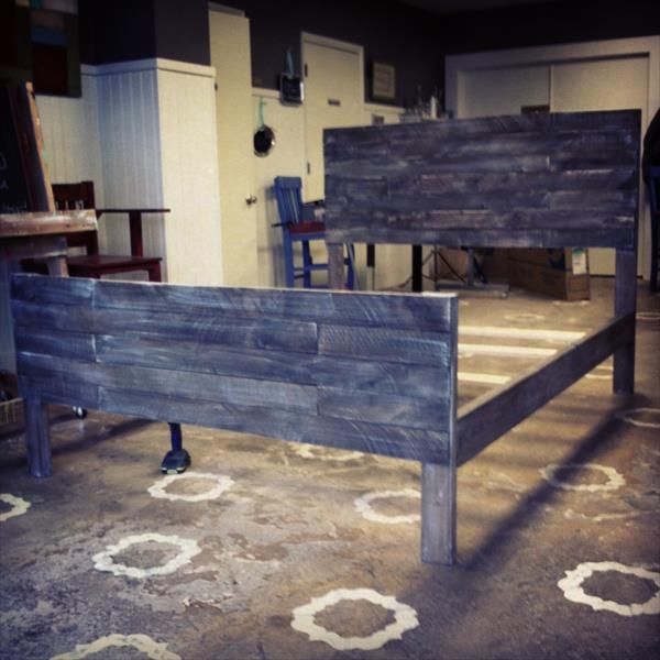 DIY Pallet Bed Headboard   Pallet Furniture DIY
