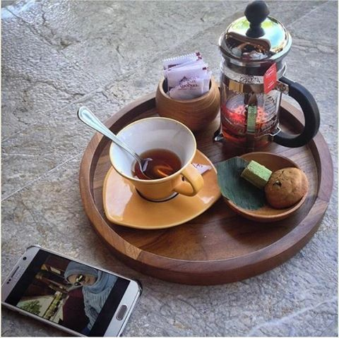WEBSTA @ ayodyabali - A delightful afternoon tea time.   : @meitysulistyawati #teatime #relax #break #ayodyabali