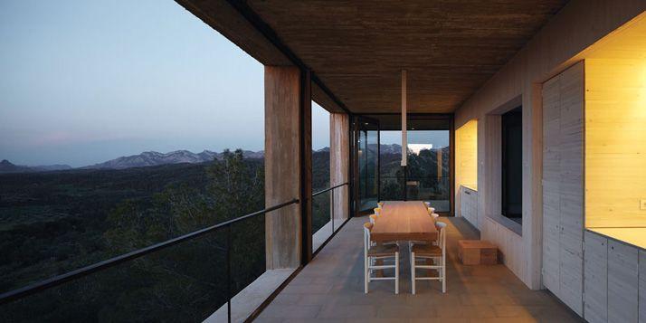 Solo House by Pezo von Ellrichshausen Architects | Yatzer