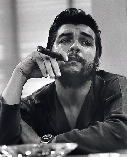 Che Guevara @Matthew Leem; Che Guevara (1928 Jun14 - 1967 Oct9, d. of execution); Argentine Marxist humanist revolutionary in Cuban Revolution (later Algiers, Congo, Bolivia) + physician, author, guerrilla leader, diplomat, military theorist...symbol of ubiquitous countercultura Tolle Geschenkideen zu Che Guevara gibt es unter http://www.dona-glassy.de/Themengeschenksets/Geschenksets-Che-Guevara:::24_4.html