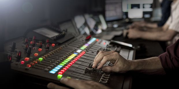 Are musicians finding the magic, or losing themselves in the process? Recording Engineer, Ben Hurt explores this question, read more here: http://bit.ly/2xWBHwK?utm_content=buffer59567&utm_medium=social&utm_source=pinterest.com&utm_campaign=buffer  #music #musicweek #recordingstudio #UnimedLiving