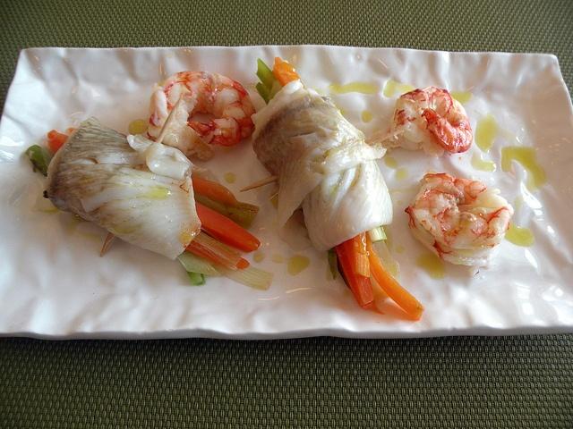 Filetti di pesce con verdure e gamberi by chefpercaso, via Flickr