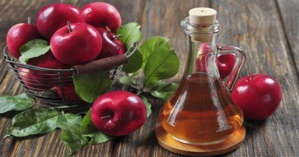 Το ξίδι μηλίτη είναι μια τέλεια φυσική θεραπεία για την εξάλειψη της κυτταρίτιδας. Αποτελείται από ορισμένα οξέα που λειτουργούν τέλεια για την αποστράγγισ