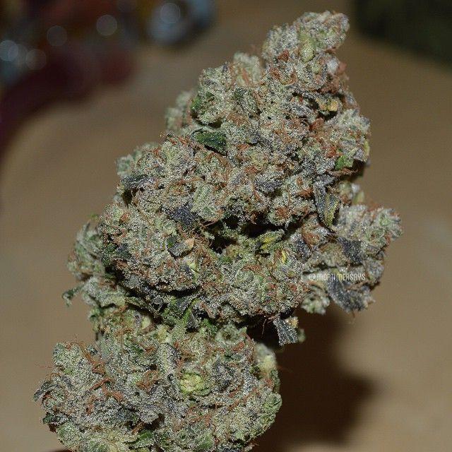 how to buy weed in la