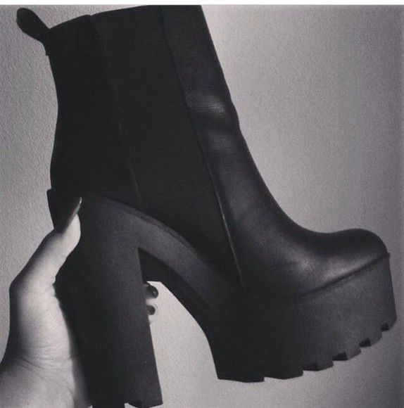 Best 25  Chunky platform boots ideas on Pinterest | Chunky shoes ...