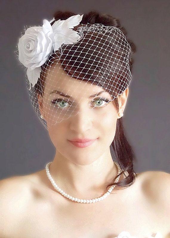 Bridal birdcage veil -Bridal Head Piece - Wedding fascinator - Fascinator - Bridal Hair Piece -  Wedding Hair Flower- White fascinator