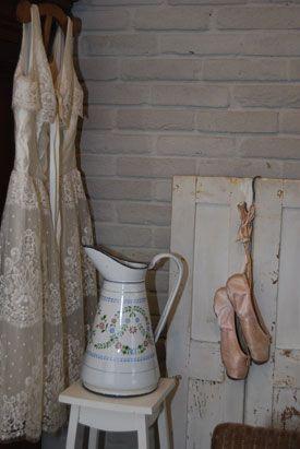Brocante wedding-dress
