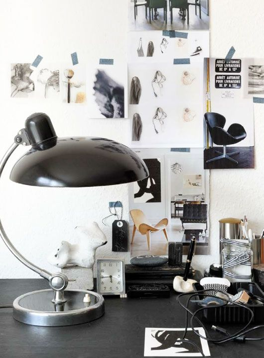 llamas' valley magazine / black desk lamp